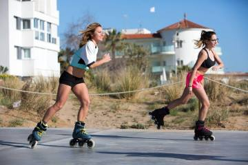 livestrong.com: Is Rollerblading Better Than Running?