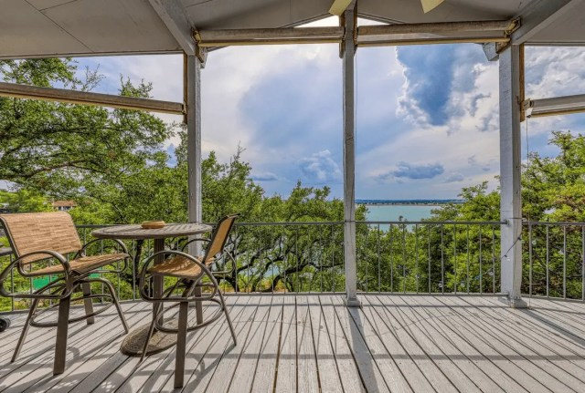 canyon lake dog friendly lodging