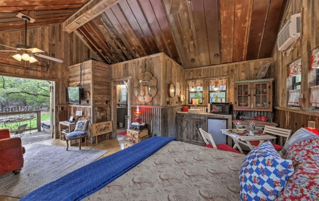 wimberly dog friendly cabin