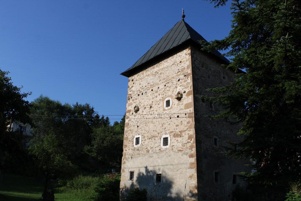 Башня в Оджаке близ Бугойно. Фото: Елена Арсениевич, CC BY-SA 3.0