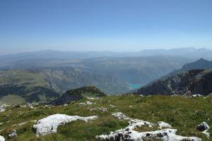 Вид с Маглича на Пивское озеро. Фото: Aktron / Wikimedia Commons, CC-BY-3.0