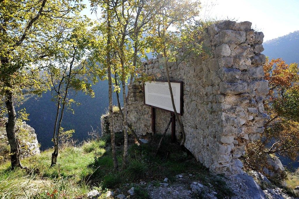 Остатки крепости. Фото: Budzak2, CC-BY-SA-4.0