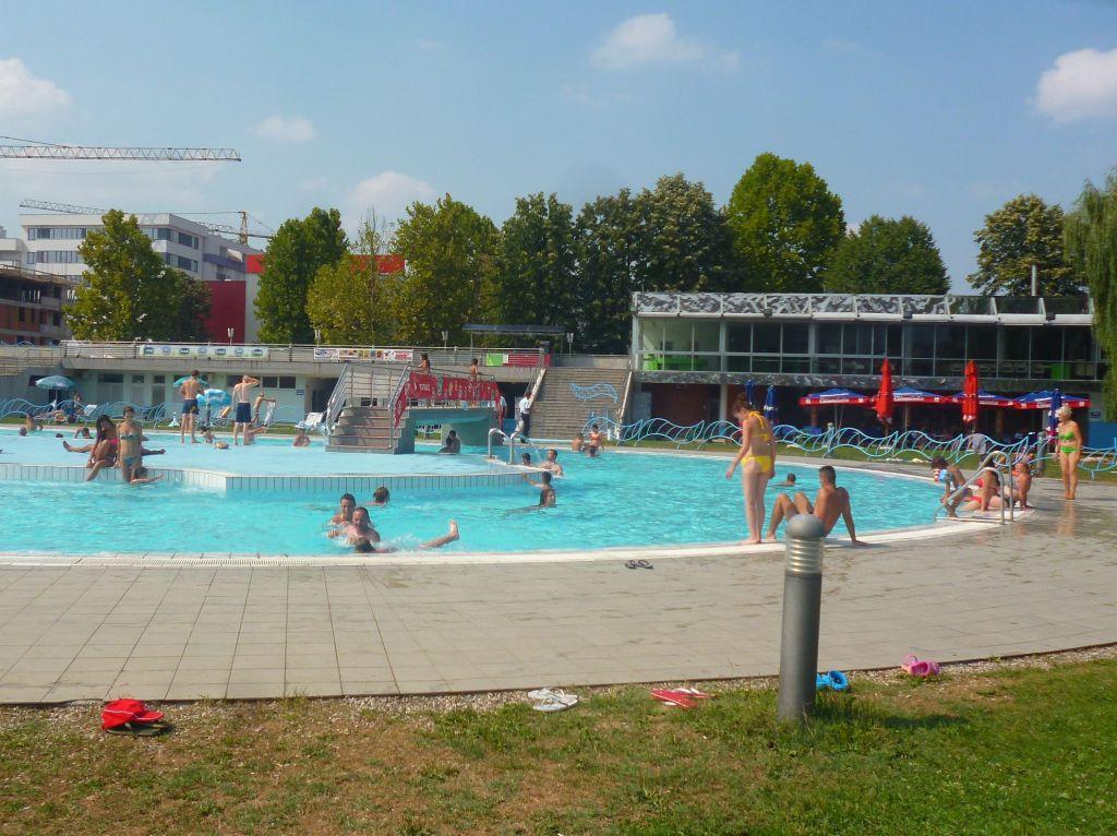 Развлекательный бассейн с водоворотом и прочими удовольствиями. Фото: Елена Арсениевич, CC BY-SA 3.0