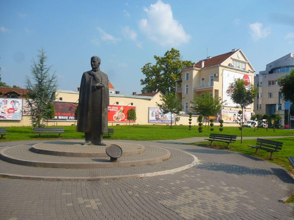 Памятник бану Светиславу Тисе Милосавлевичу. Фото: Елена Арсениевич, CC BY-SA 3.0