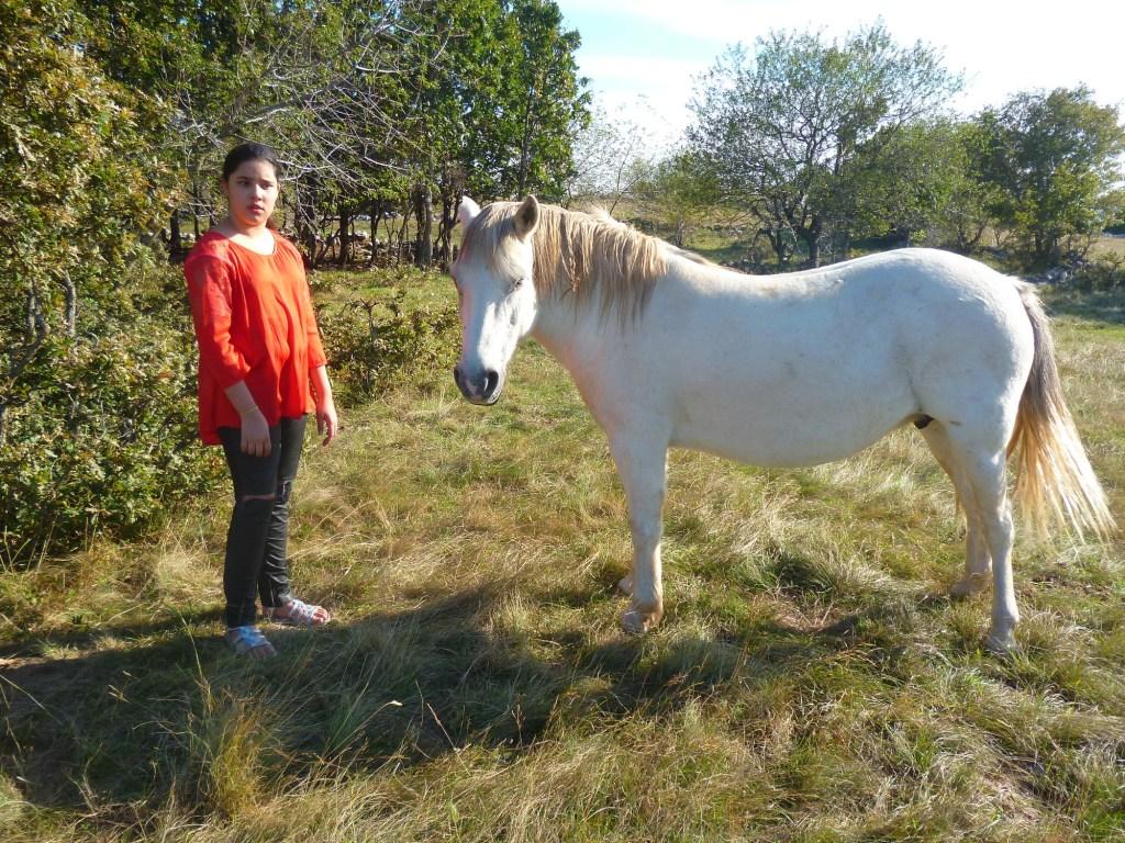 Лора и лошадка. Фото: Елена Арсениевич, CC BY-SA 3.0