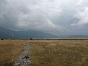 Вдалеке полоска Блидиньского озера. Фото: Елена Арсениевич, CC BY-SA 3.0