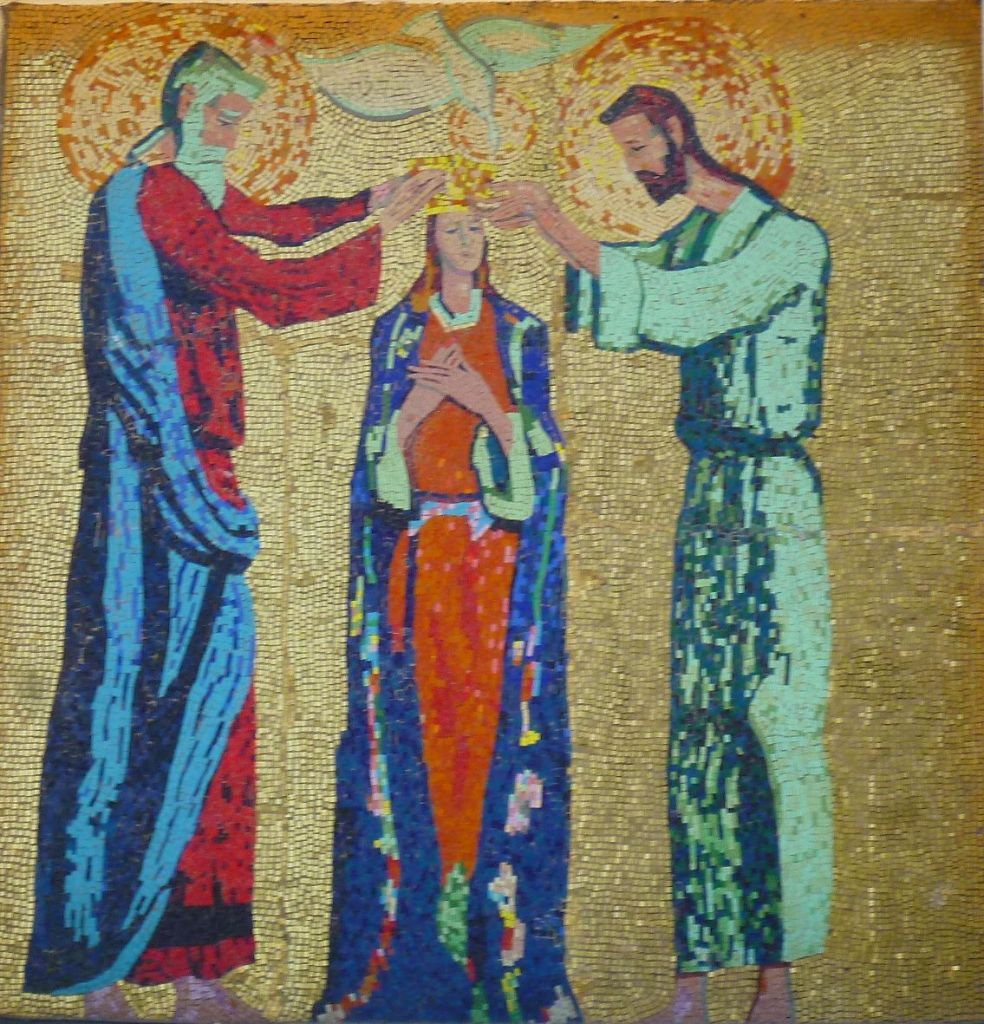 Коронование Девы Марии, автор Иво Дулчич. Фото: Елена Арсениевич, CC BY-SA 3.0