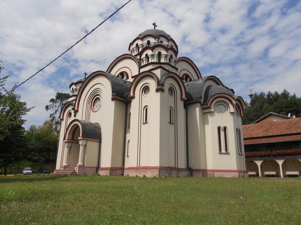 Церковь по проекту Душана Бабича. Фото: Елена Арсениевич, CC BY-SA 3.0