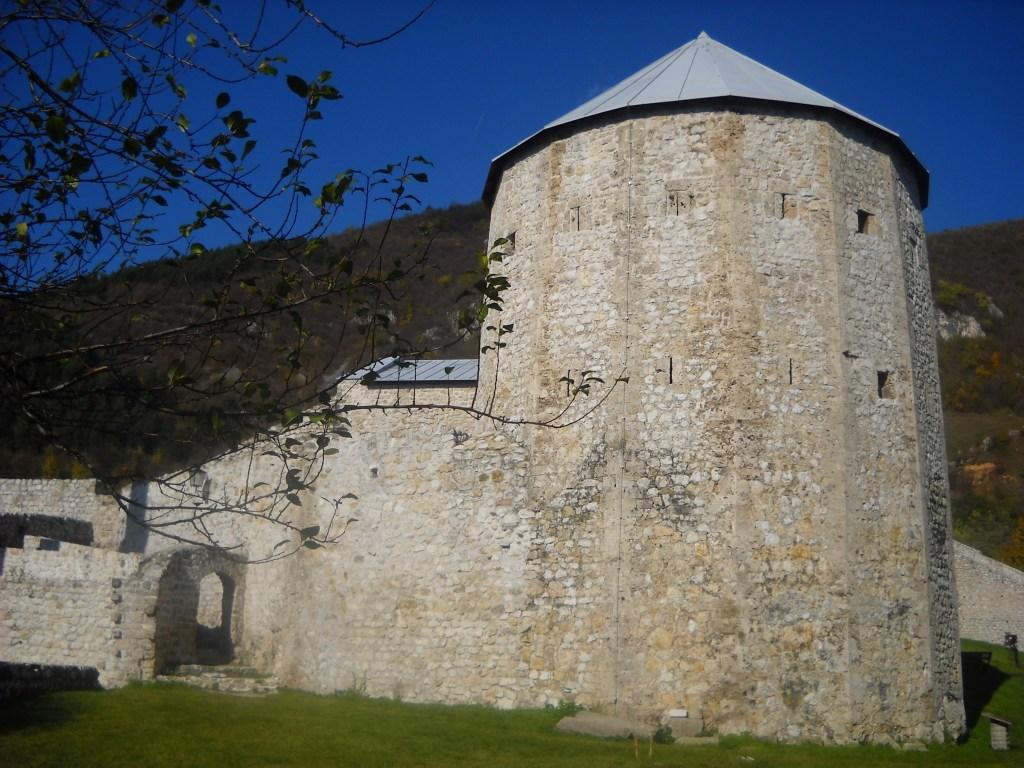 Шестнадцатигранная башня. Фото: Елена Арсениевич, CC BY-SA 3.0