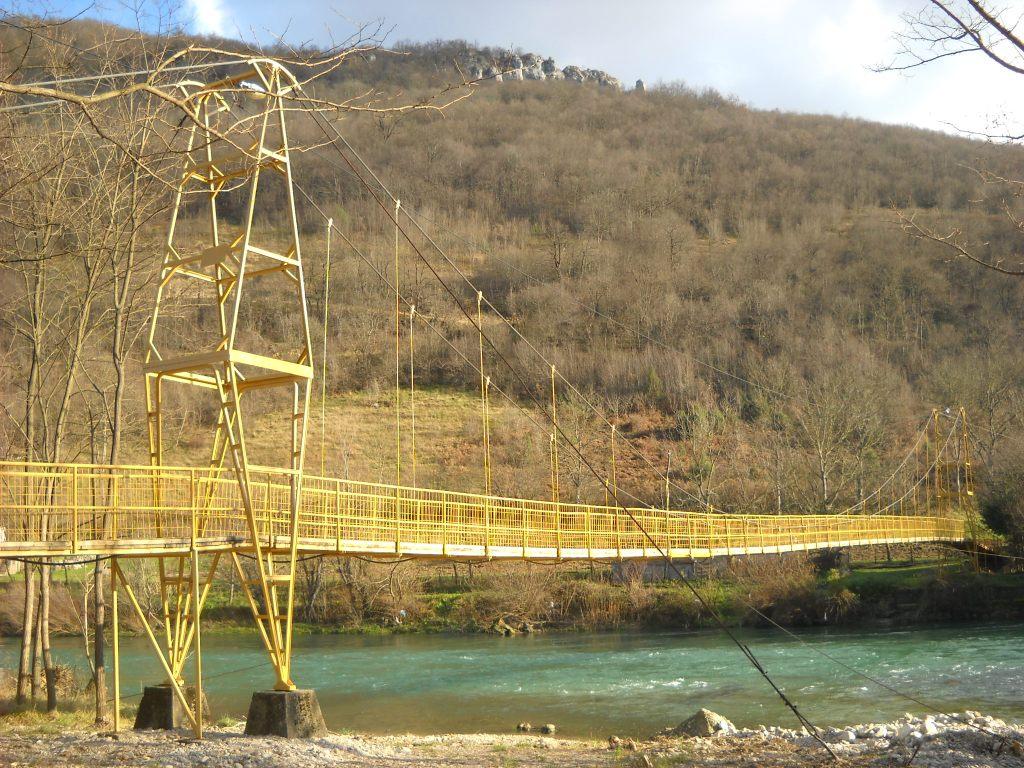 Мост через Врбас, начало туристической тропы к Каменному мосту. Фото: Елена Арсениевич, CC BY-SA 3.0
