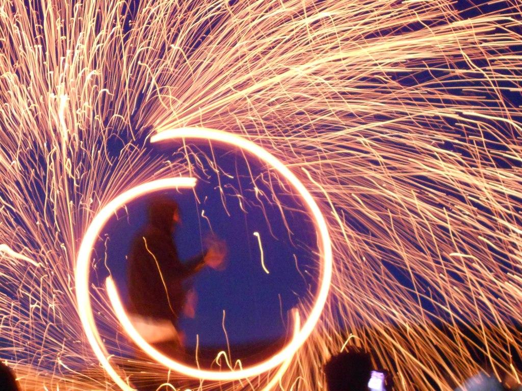 Огненное шоу на фестивале. Фото: Елена Арсениевич, CC BY-SA 3.0
