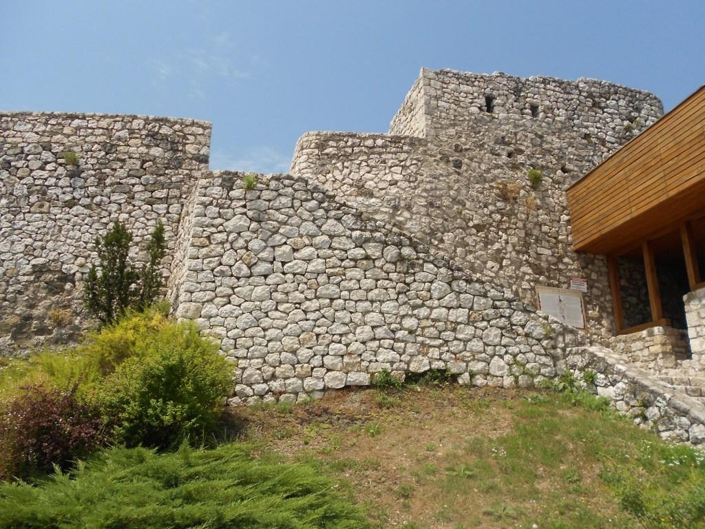 Стены бастиона. Фото: Елена Арсениевич, CC BY-SA 3.0