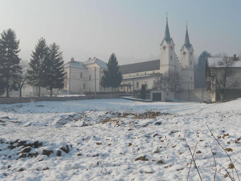 Церковь Вознесения Блаженной Девы Марии рядом с Травником. Фото: Елена Арсениевич, CC BY-SA 3.0