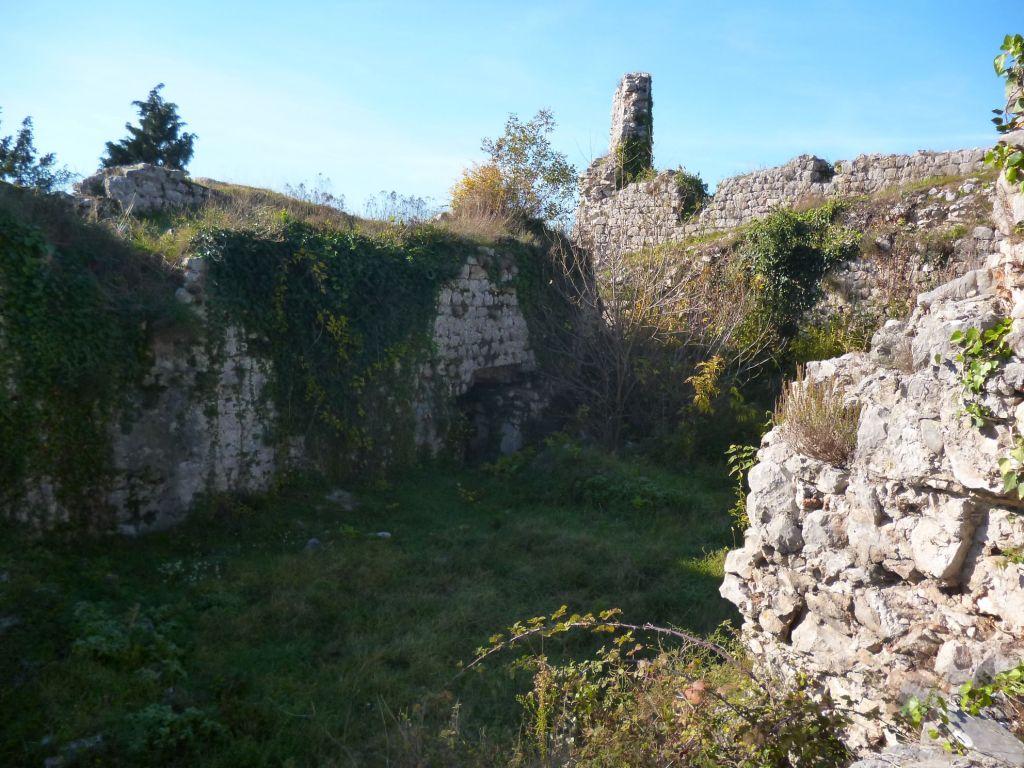 Остатки крепости Габела. Фото: Елена Арсениевич, CC BY-SA 3.0