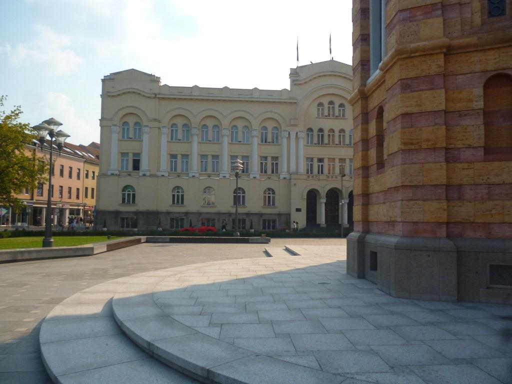 Здание городской администрации на главной площади Баня Луки. Фото: Елена Арсениевич, CC BY-SA 3.0