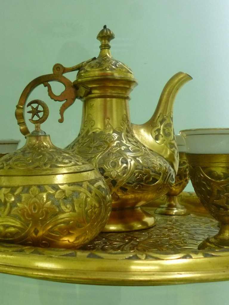 Кофейный ибрик. Музей Библиотеки Гази Хусрев-бега. Фото: Елена Арсениевич, CC BY-SA 3.0