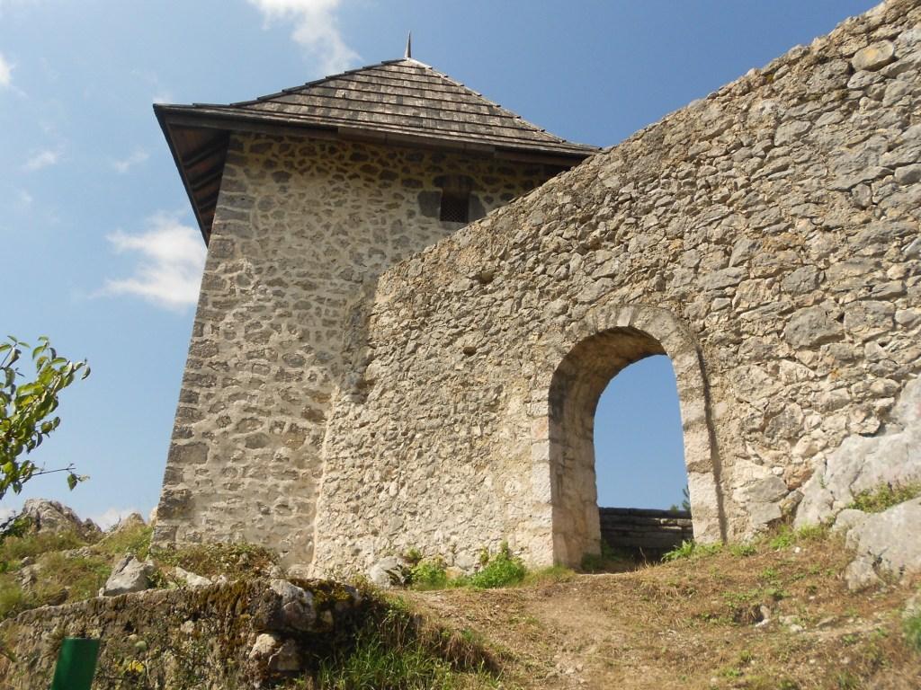 Малая башня укрепления Табори. Фото: Елена Арсениевич, CC BY-SA 3.0