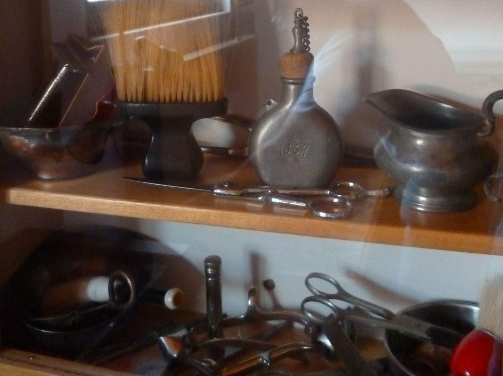 Инструменты цирюльника. Фото: Елена Арсениевич, CC BY-SA 3.0