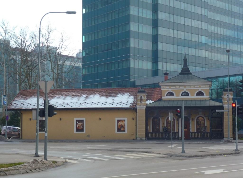 Бывшая железнодорожная станция. Фото: Елена Арсениевич, CC BY-SA 3.0
