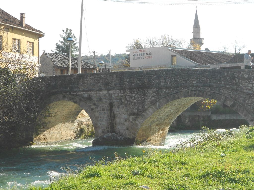 Двухарочный мост в Столаце. Фото: Елена Арсениевич, CC BY-SA 3.0