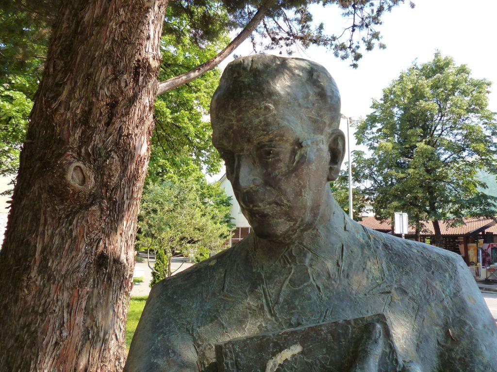 Памятник Иво Андричу, автор Зоран Юрич. Фото: Елена Арсениевич, CC BY-SA 3.0