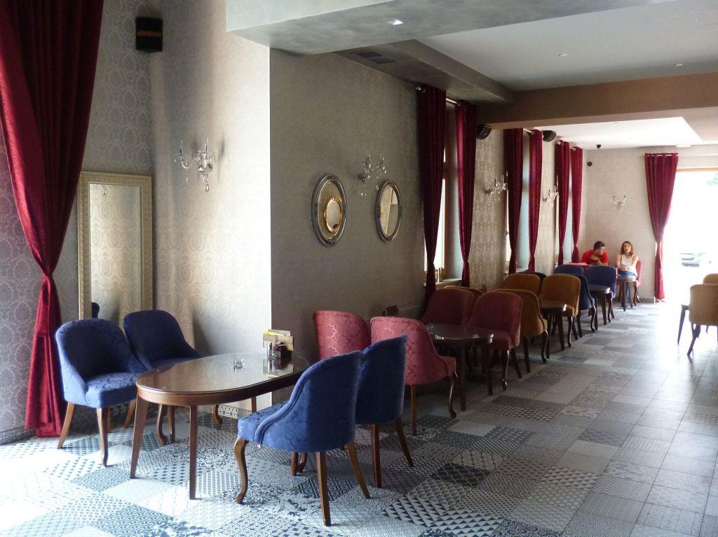 Венское кафе в бывшем офицерском доме. Фото: Елена Арсениевич, CC BY-SA 3.0