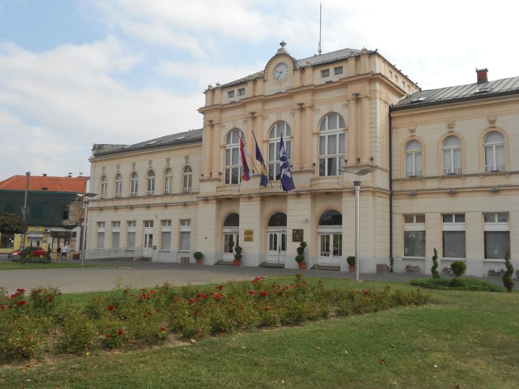 Здание городской администрации. Фото: Елена Арсениевич, CC BY-SA 3.0