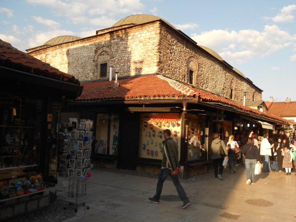 Крытый рынок Бруса Безистан в Сараево. Фото: Елена Арсениевич, CC BY-SA 3.0