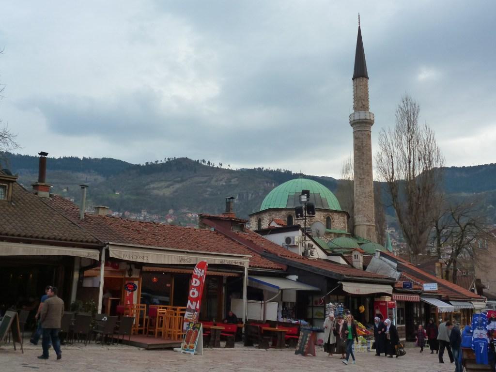 В Сараево на Башчаршии суета. Фото: Елена Арсениевич, CC BY-SA 3.0