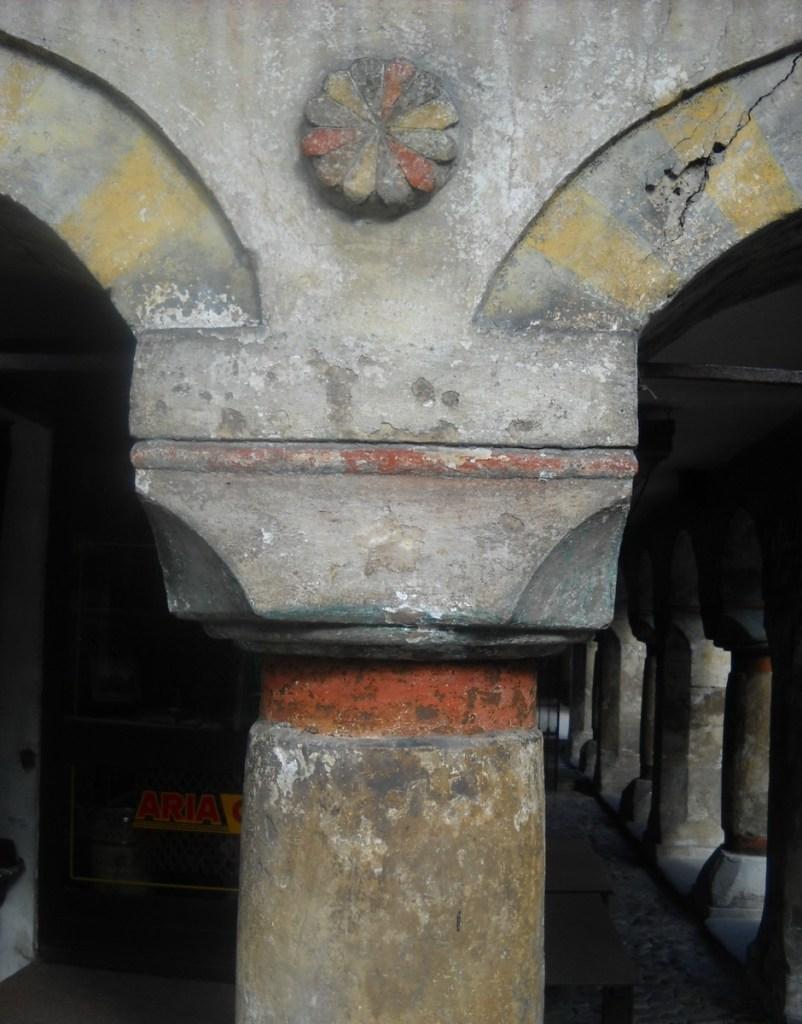 Оформление колонны. Фото: Елена Арсениевич, CC BY-SA 3.0