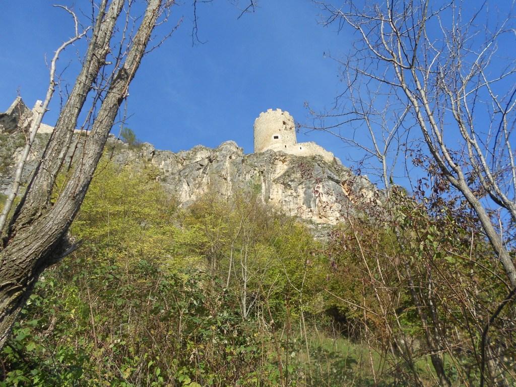 Крепость Соколац на скале. Фото: Елена Арсениевич, CC BY-SA 3.0