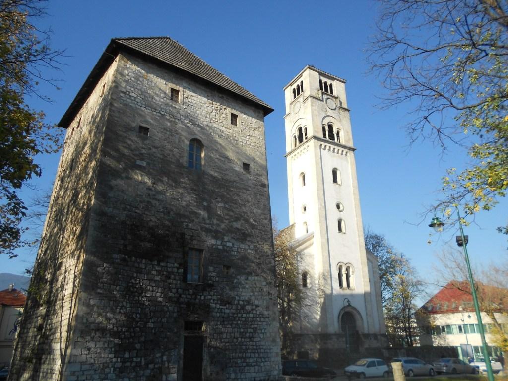 Капетанова башня и колокольня церкви св. Анте. Фото: Елена Арсениевич, CC BY-SA 3.0