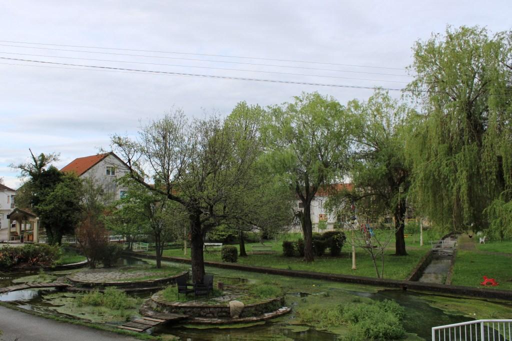 Парк рядом с истоком. Фото: Елена Арсениевич, CC BY-SA 3.0