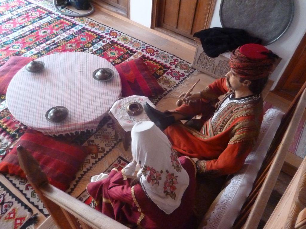 Традиционная сервировка. Дом Муслибеговича. Фото: Елена Арсениевич, CC BY-SA 3.0