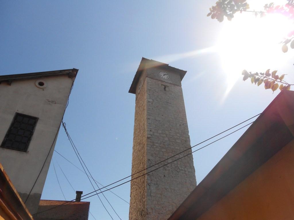 Башня в Грачанице. Фото: Елена Арсениевич, CC BY-SA 3.0