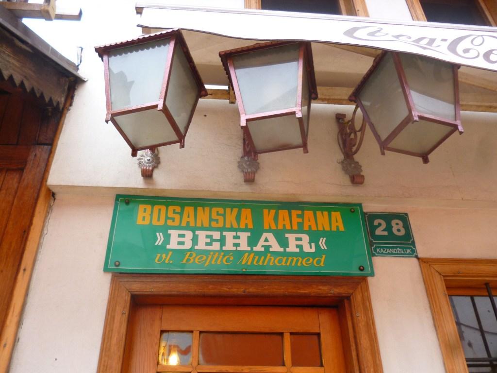 Кафана, то есть кофейня. Фото: Елена Арсениевич, CC BY-SA 3.0