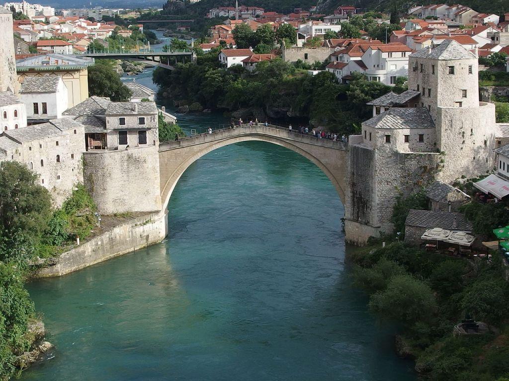 Старый мост в Мостаре. Высокая вода. Mark Ahsmann, CC BY-SA 3.0