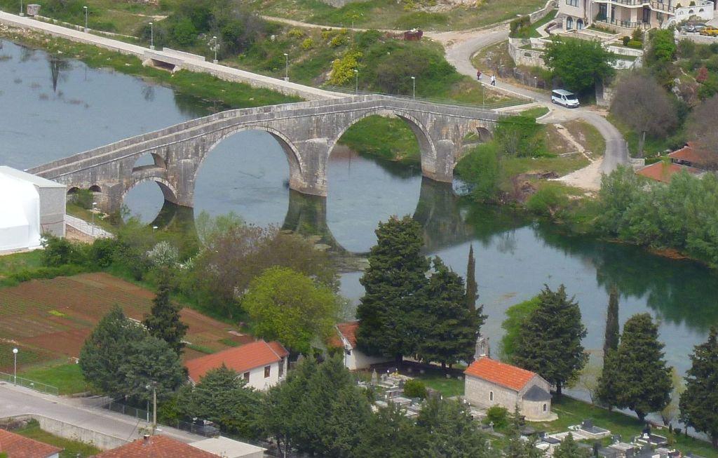 Мост Арсланагича в Требине. Фото: Елена Арсениевич, CC BY-SA 3.0