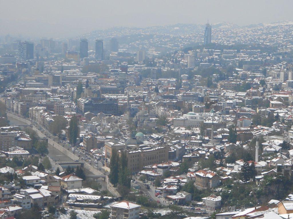 Вид на Сараево с Белой табии. Фото: Елена Арсениевич, CC BY-SA 3.0