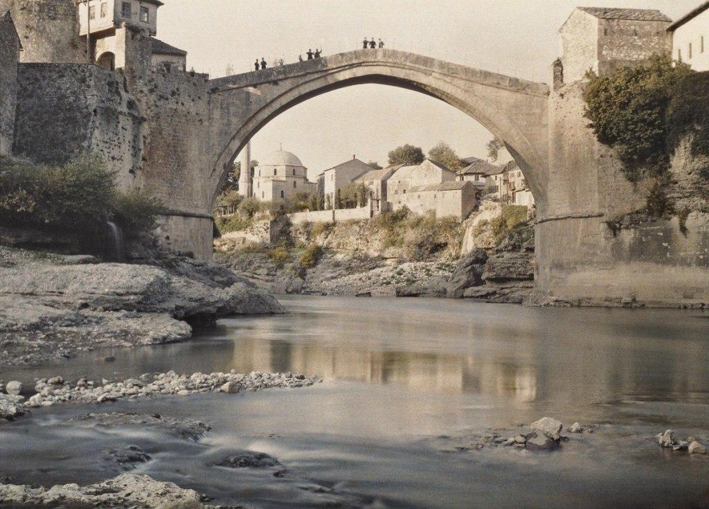 Старый мост. Auguste Léon, Public Domain