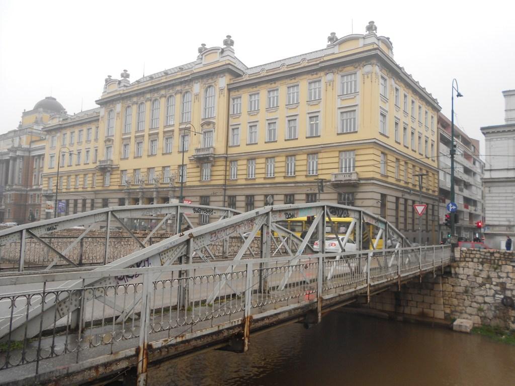 Мост Чобания и Главпочтамт. Фото: Елена Арсениевич, CC BY-SA 3.0