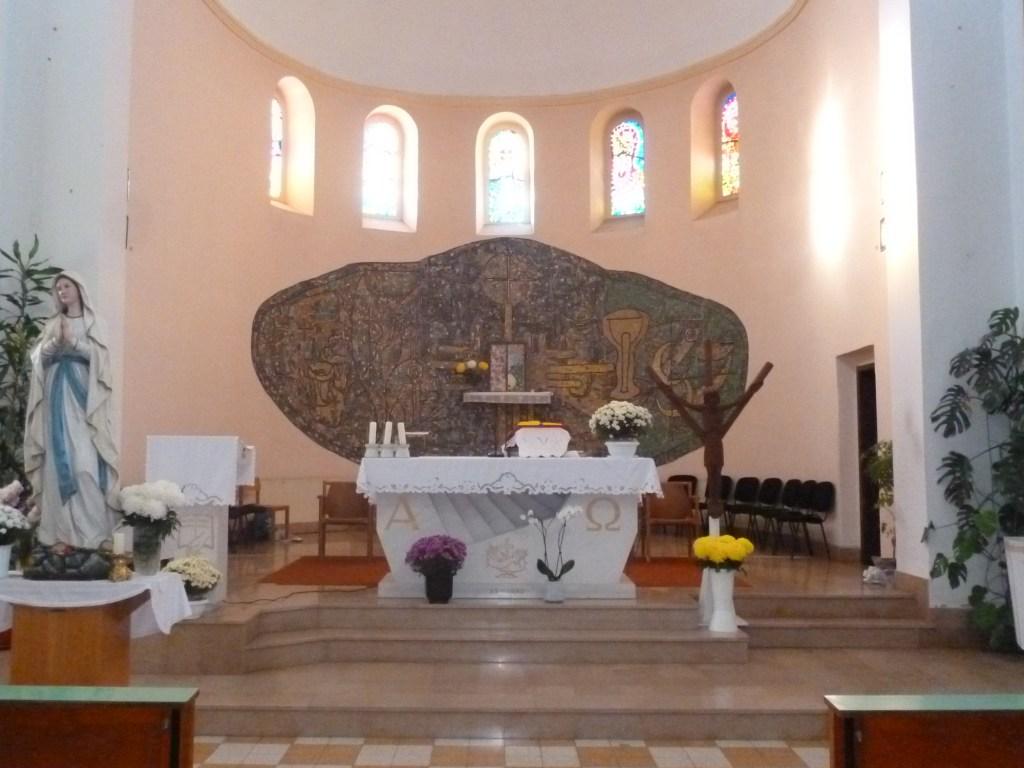 Алтарь церкви св. Франциска в Чаплине. Фото: Елена Арсениевич, CC BY-SA 3.0