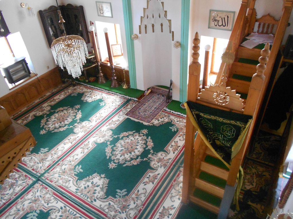 Интерьер мечети Атик в Фойнице. Фото: Елена Арсениевич, CC BY-SA 3.0