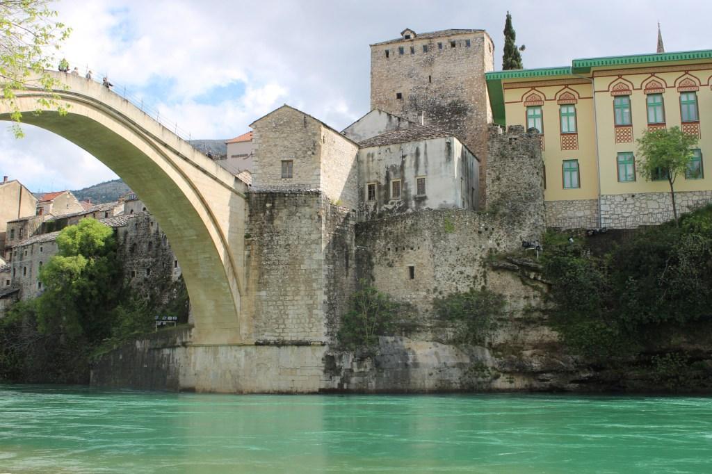 Мост, Неретва и остальное. Фото: Елена Арсениевич, CC BY-SA 3.0