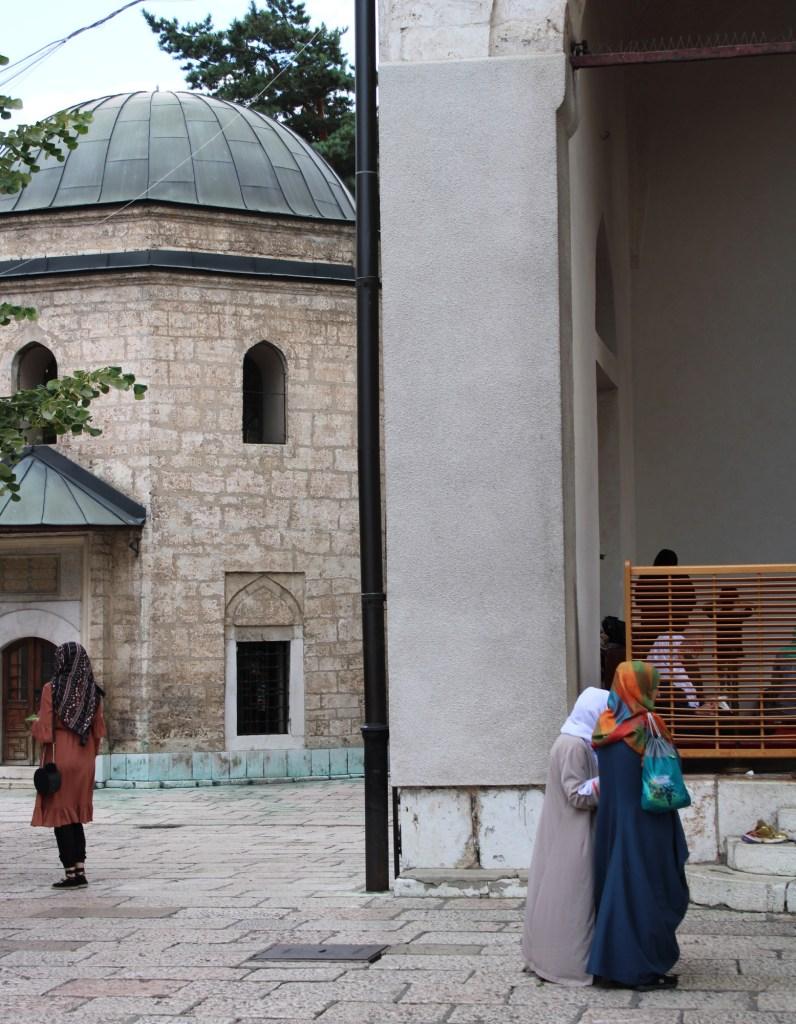 Могила Гази Хусрев-бега. Фото: Елена Арсениевич, CC BY-SA 3.0