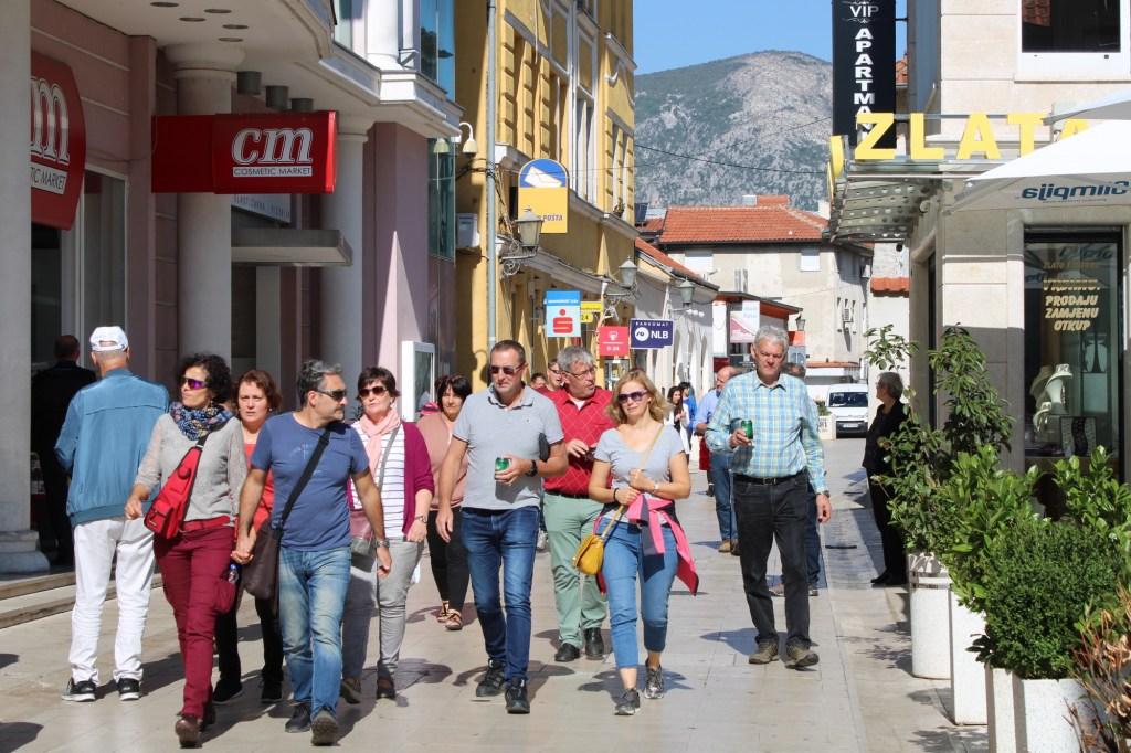 Туристы в Мостаре. Фото: Елена Арсениевич, CC BY-SA 3.0