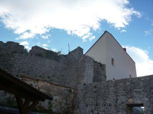 Стены северного бастиона. Фото: Елена Арсениевич, CC BY-SA 3.0