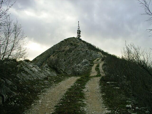 Дорога на вершину Леотара. Фото: Martin Brož, CC-BY-3.0