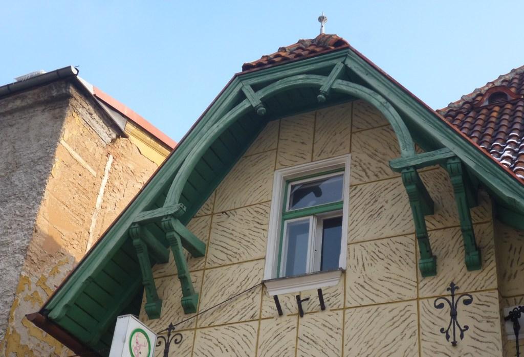Вилла Форстрата Миклау, крыша. Фото: Елена Арсениевич, CC BY-SA 3.0