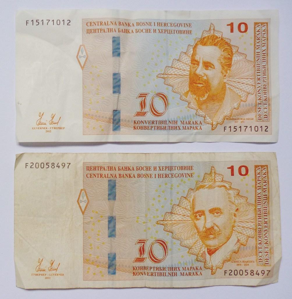10 КМ, выпущенные в Федерации Боснии и Герцеговины и в Республике Сербской. Фото: Елена Арсениевич, CC BY-SA 3.0